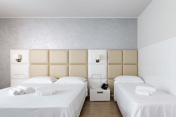 hotel pontevico camera tripla